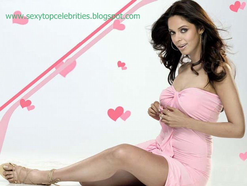 Sexy Top Celebrities Mallika Sherawat Hot Photo Gallery-8146
