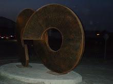 sugerente escultura