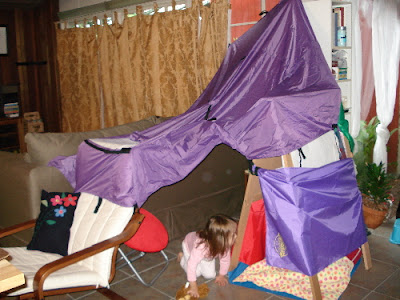 ... are from the Cranium Super Fort which weu0027ll review later this week. They were unnecessary for the construction of the fort but were used to enclose a ... & Reinvent the Blanket Fort With the Fortamajig   Z Recommends