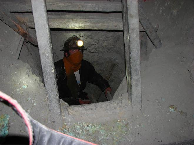 Num dos buracos intermináveis da mina