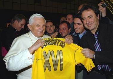 [capt.vat10101101450.vatican_pope_vat101]