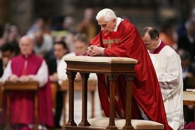 [capt.xpl10904061843.vatican_holy_week_xpl109]