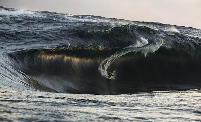 13 Cool Big Wave Surfing Pictures