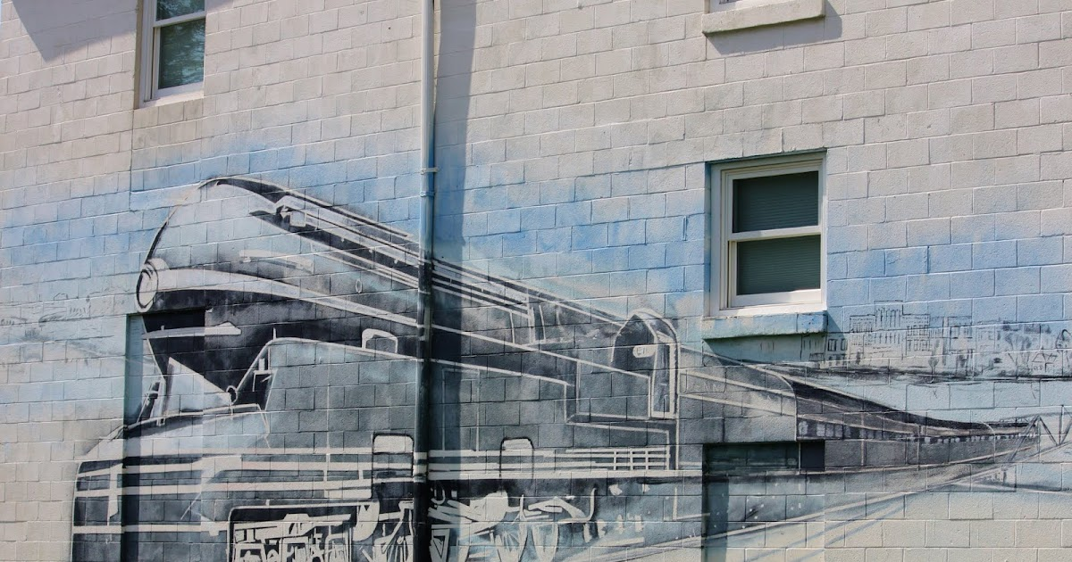 Rail Mural Round The Bend: Midweek Blues: Train Mural