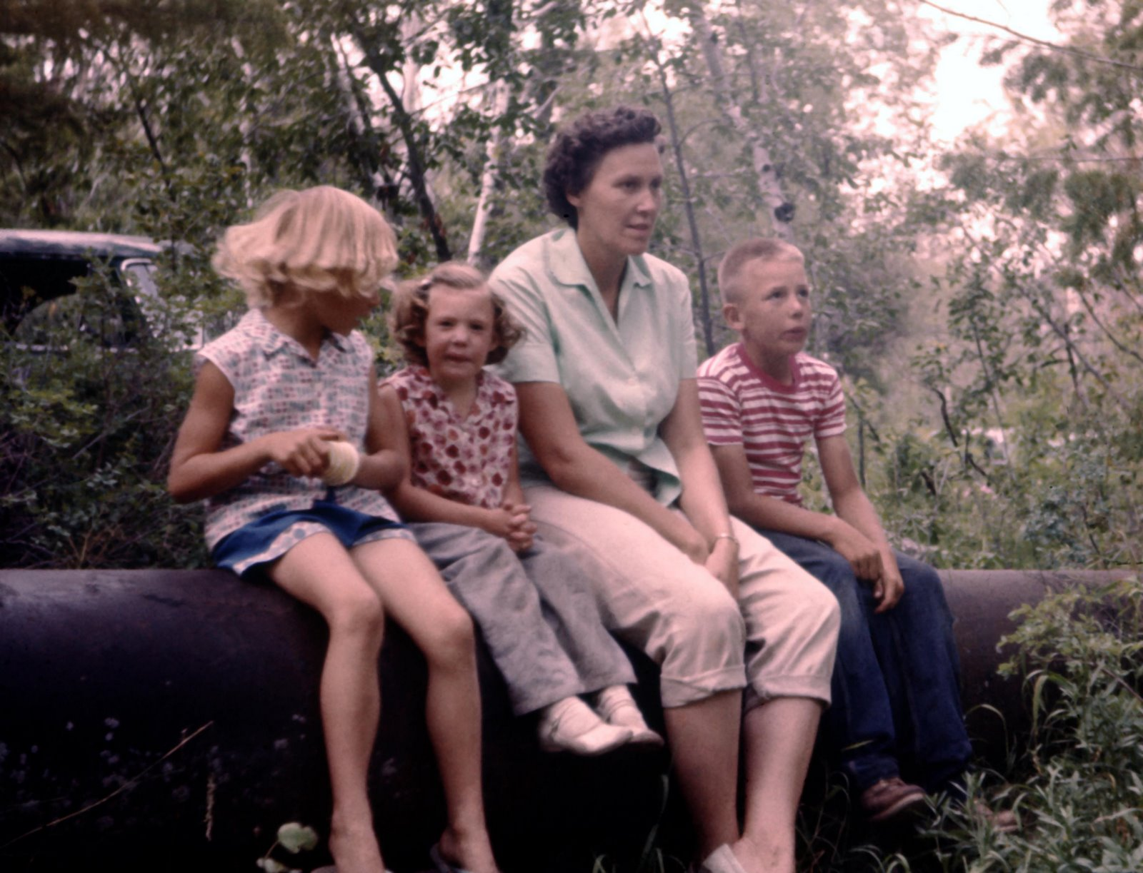 [Mom,+Steve,+Adele+&+Christine+1959.jpg]