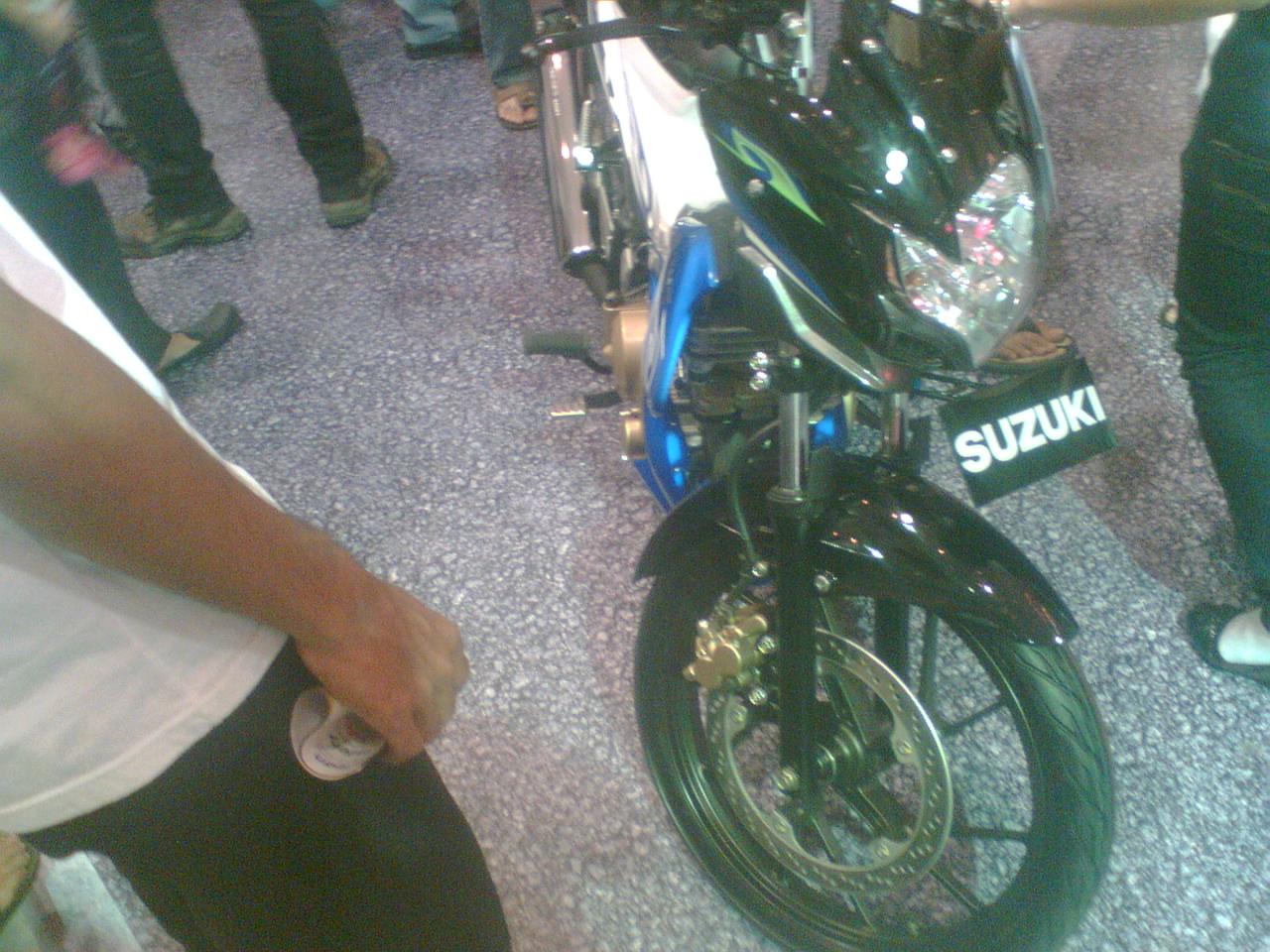 Gambar Modifikasi Motor: Warna-warna Suzuki Satria Baru