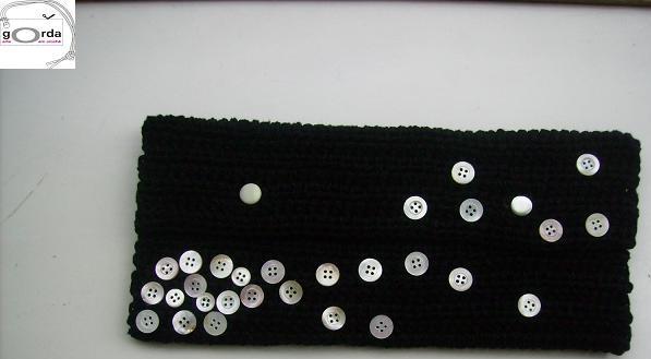 Carteira de mão em crochê