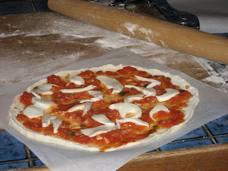 photo of a Margherita-style pizza