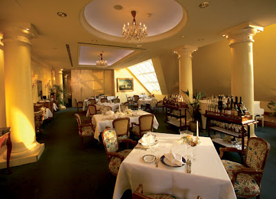 Restaurant Grand Hotel Wien Vienna to Enjoy a Guglhupf