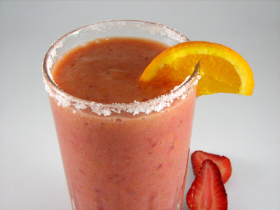 Banana, Strawberry and Orange, an Easy Fruit Smoothie full of Vitamins