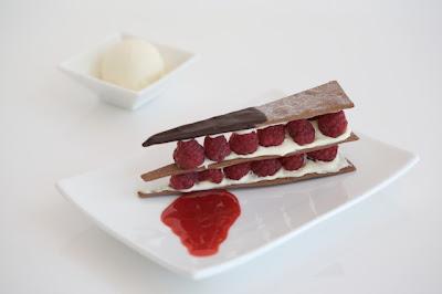 Raspberries & Cream With Chocolate Tucker's Natural Chocolate Dessert Cracker Stack