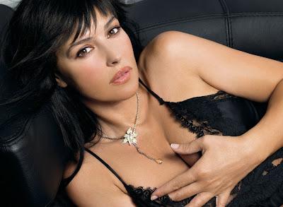 Sexy Monica Bellucci by Satoshi Saikusa