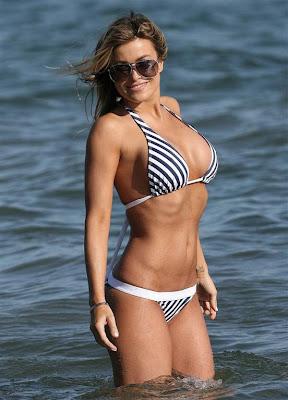 Carmen Electra Candid Bikini Pictures
