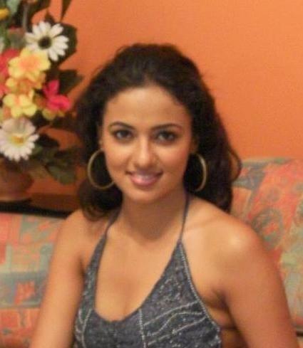 Hot Lankan Actress Udari Warnakulasuriya S