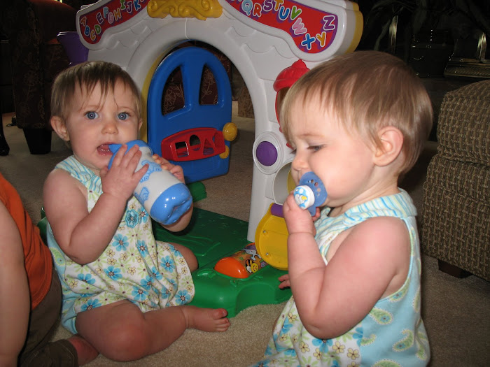 These are my cousins Eliana and Giada