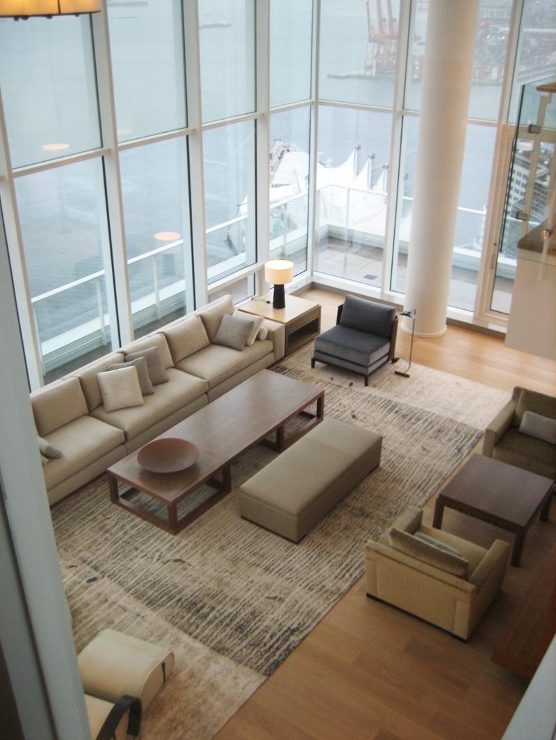 Custom rugs throughout are by zoe luyendijk