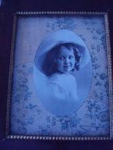En liten flicka