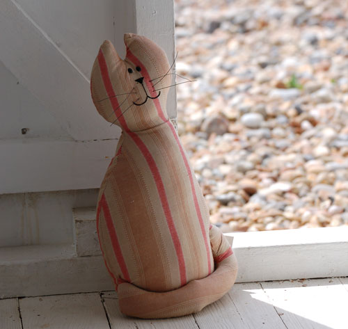[fish-wifes-cat-doorstop.jpg]