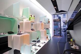Debutta a Milano la prima boutique Nero Giardini Junior ab855ade5887