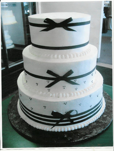 Beautifull Wedding Cakes With Ribbon Decorate Food And Drink