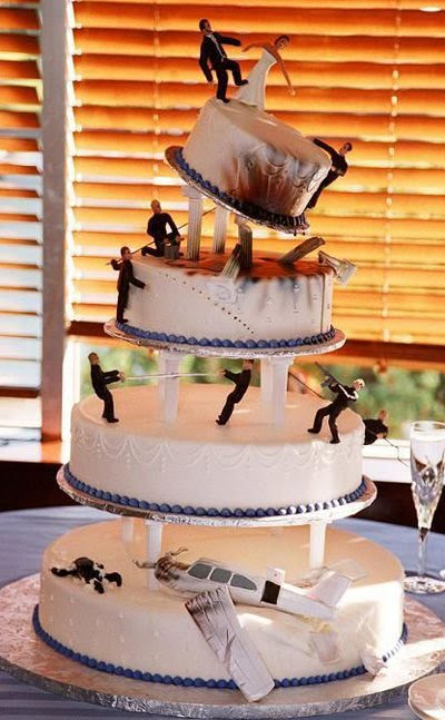 Carmageddon Wedding Ideas: Terrible Wedding Cake