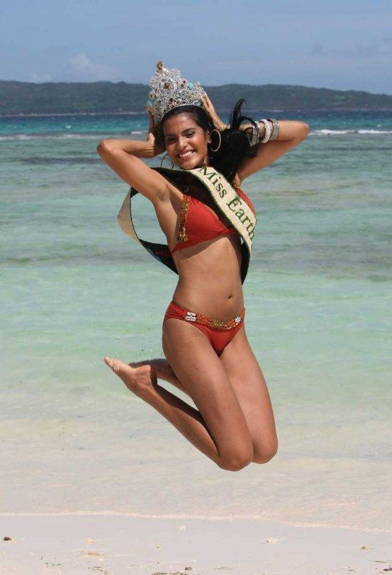 Miss brazil larissa ramos bikini photos