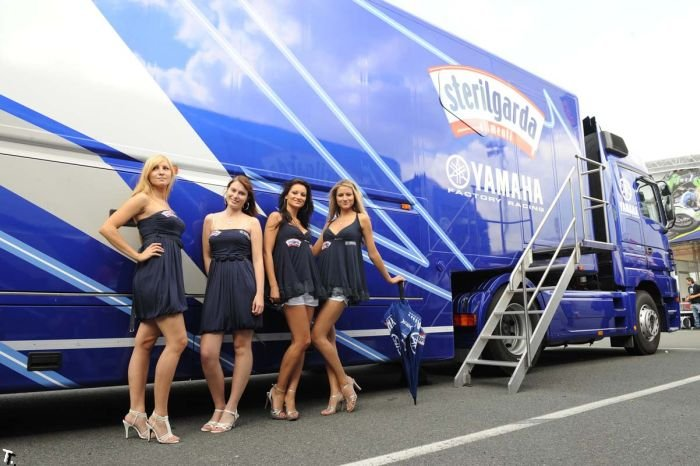 Miss Yamaha Racing Girls 2009