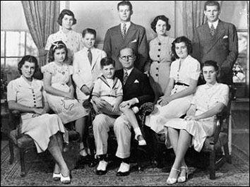 [kennedy+family.jpg]