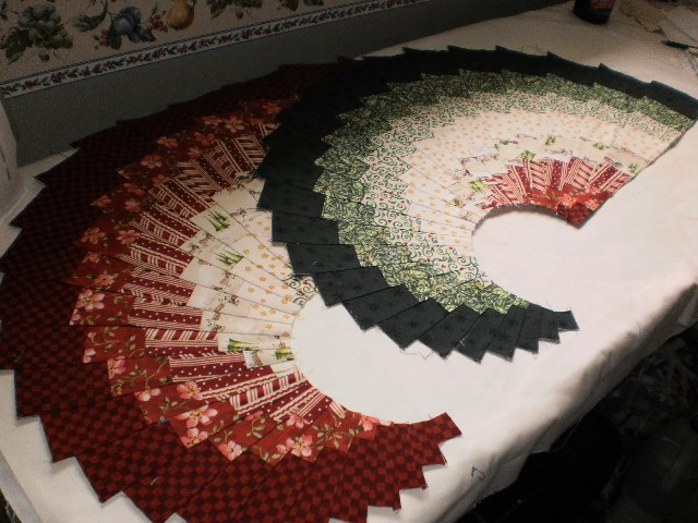 Quilt, Knit, Run, Sew: Christmas in July - Spicy Spiral Christmas ... : quilt knit run sew - Adamdwight.com