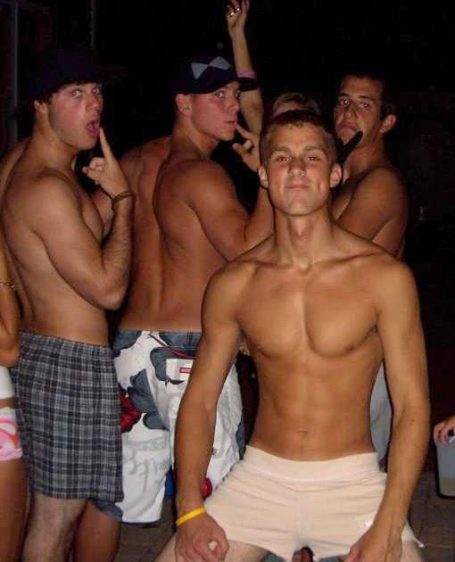 видео в лагере секс геев