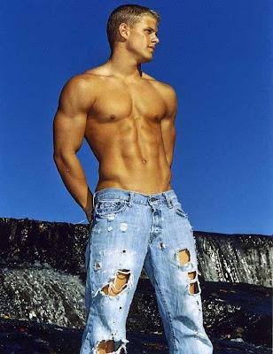 Muscle Jocks: Hunks + Jeans