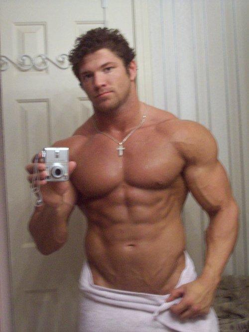 Muscle Gay Hunk 78