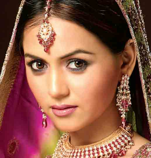 Top Beauty Makeup Tips For Brides And Models: Tips Of Beauty And Make Up: Latest Bridal Makeup 2011