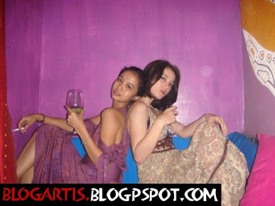 Gambar Nakal Laudya Cinthya Bella and Julie estelle