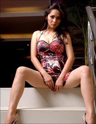 Sexy Model Dwi Putrantiwi