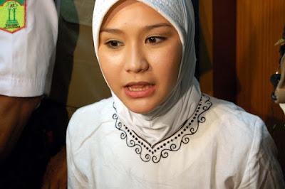 Jilbab - Zaskia Adya Mecca