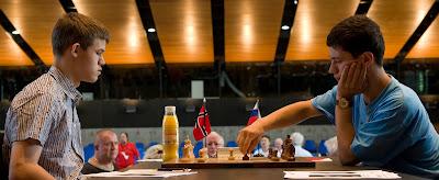 Magnus Carlsen - Evgeny Alekseev © photo Olivier Breisacher