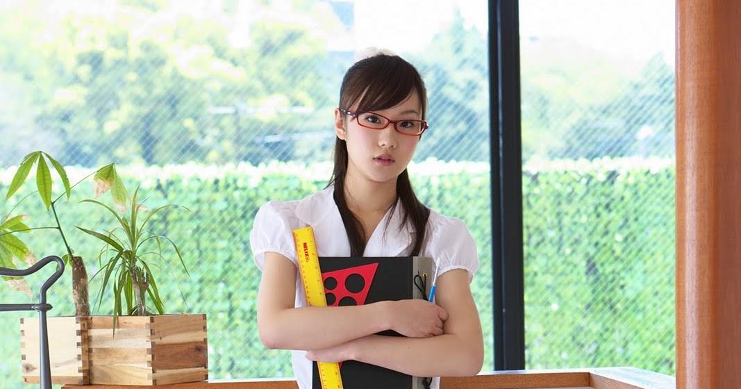 Japanese Girl - Kana Yuuki Sexy Teacher Pictures