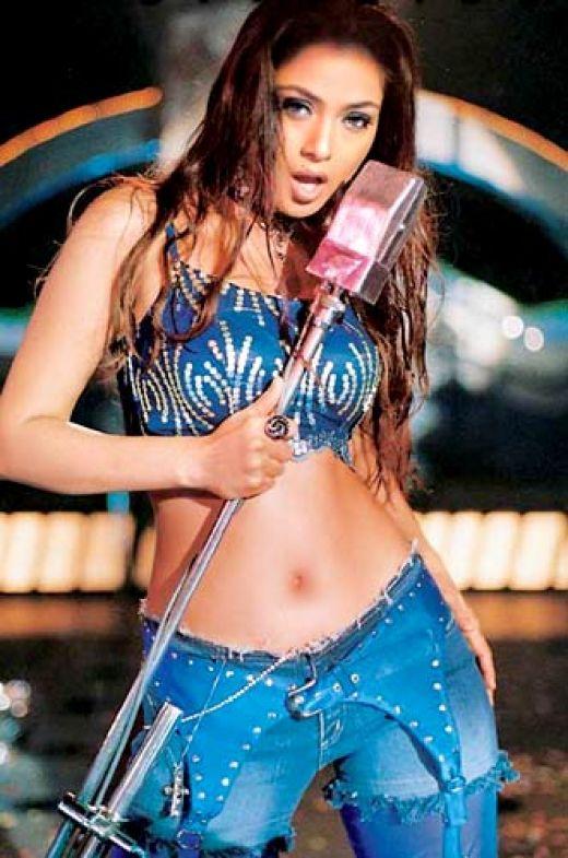 Unseen Hot Photos Of Actresses Simran Unseen Hot Pics