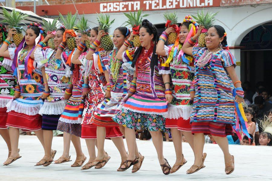Oaxaca-The Year After: Guelaguetza - Etla