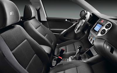 Volkswagen Tiguan R-Line SUV (interior)
