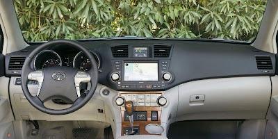 2008 Toyota Highlander Hybrid (dashboard)
