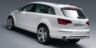 Audi Q7 V12 TDi (back)