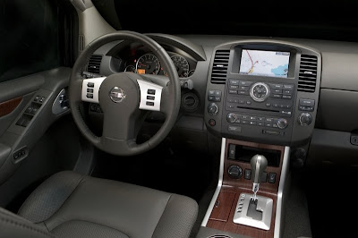 2008 Nissan Pathfinder (interior)