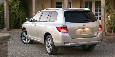 2008 Toyota Highlander (back)
