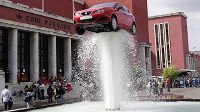 El nuevo Seat Ibiza flotando