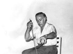"ING. DE AGUINAGA EN el Café ""EL GARABATO"" DE ZAMORA, MICHOACÁN. MÉXICO 1963-64."