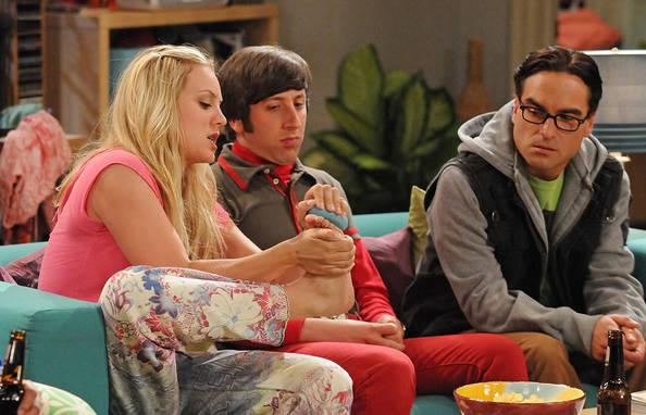 Kaley cuoco penny in big bang theory s7e11 laundry night - 2 part 3