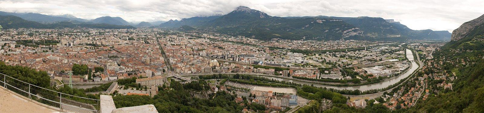 [Grenoble_wide_panorama]