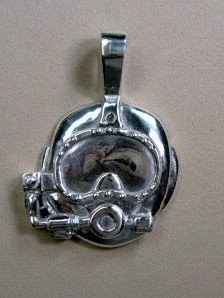 Diver's mask pendant in sterling silver made by Payne's Custom Jewelry